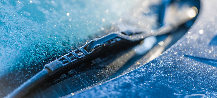 Windshield-Wiper-Close-Up